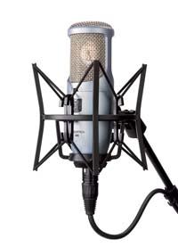 Новый микрофон AKG Perception 400 скоро в продаже